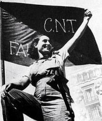 Frau mit CNT-FAI-Fahne